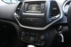2018 Jeep Cherokee Longitude KL MY19 4X4 On Demand White
