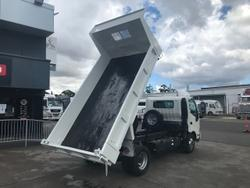 2018 HINO 300 SERIES WHITE