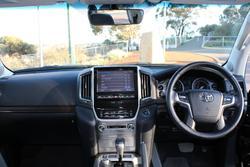 2020 Toyota Landcruiser VX VDJ200R 4X4 Dual Range Black