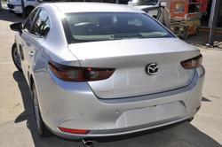 2021 MAZDA Mazda3 G20 PURE MAZDA3 N 6MAN SEDAN G20 PURE Sonic Silver