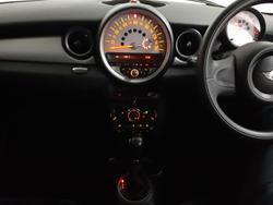 2011 MINI Hatch Cooper R56 LCI British Racing Green II