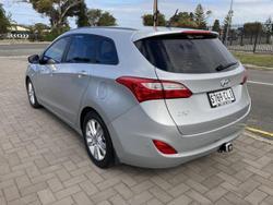 2013 Hyundai i30 2013 HYUNDAI GDe i30 TOURER ACTIVE AUTO 1.6P HATCH SLEEKSILVER