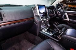 2020 Toyota Landcruiser VX VDJ200R 4X4 Dual Range White