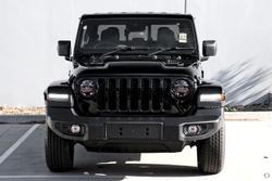 2021 Jeep Gladiator Night Eagle JT MY21 V2 4X4 On Demand Black