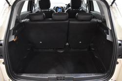 2016 Renault Captur Dynamique J87 Ivory White & Diamond Black