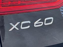 2021 Volvo XC60 B5 Momentum MY22 AWD Onyx Black