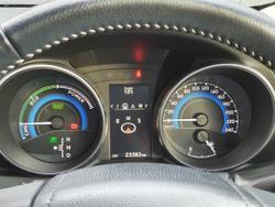 2018 Toyota Corolla Hybrid ZWE186R GLACIER WHITE