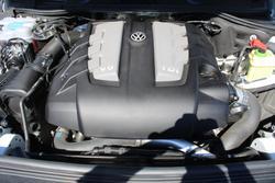2017 Volkswagen Touareg 150TDI Element 7P MY17 Four Wheel Drive Pure White
