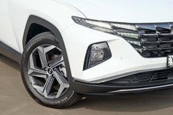2021 Hyundai Tucson Highlander NX4.V1 MY22 White Cream