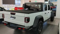 2021 Jeep Gladiator Rubicon JT MY21 V2 4X4 On Demand Drive Type: Bright White