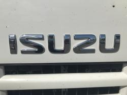 2015 ISUZU F SERIES WHITE