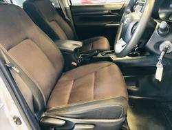 2017 Toyota Hilux SR GUN126R 4X4 Dual Range SILVER
