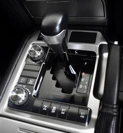 2017 Toyota Landcruiser VX VDJ200R 4X4 Dual Range White