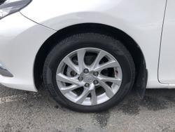 2015 Toyota Corolla Ascent Sport ZRE182R White