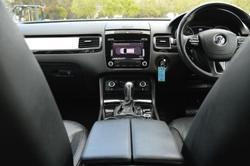 2011 Volkswagen Touareg 150TDI 7P MY11 Four Wheel Drive Pure White