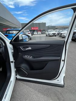 2021 MG HS PHEV Essence SAS23 MY21 New Pearl White