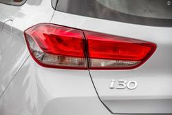 2021 Hyundai i30 PD.V4 MY22 Polar White