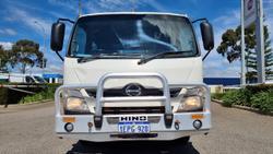 2014 HINO 300 SERIES WHITE