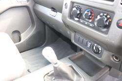 2008 Nissan Navara ST-X D40 4X4 Artic White