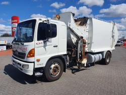 Hino GH 1727-500 Series 19CM3 Side Loading Compactor