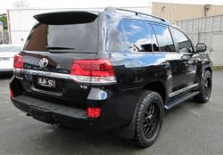 2020 Toyota Landcruiser Sahara VDJ200R 4X4 Dual Range Black