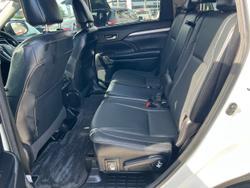 2017 Toyota Kluger GXL GSU55R AWD White