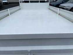 2014 ISUZU N SERIES NPR 250/300 Premium White